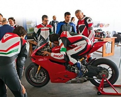 ����� � �����: Ducati Riding Experience