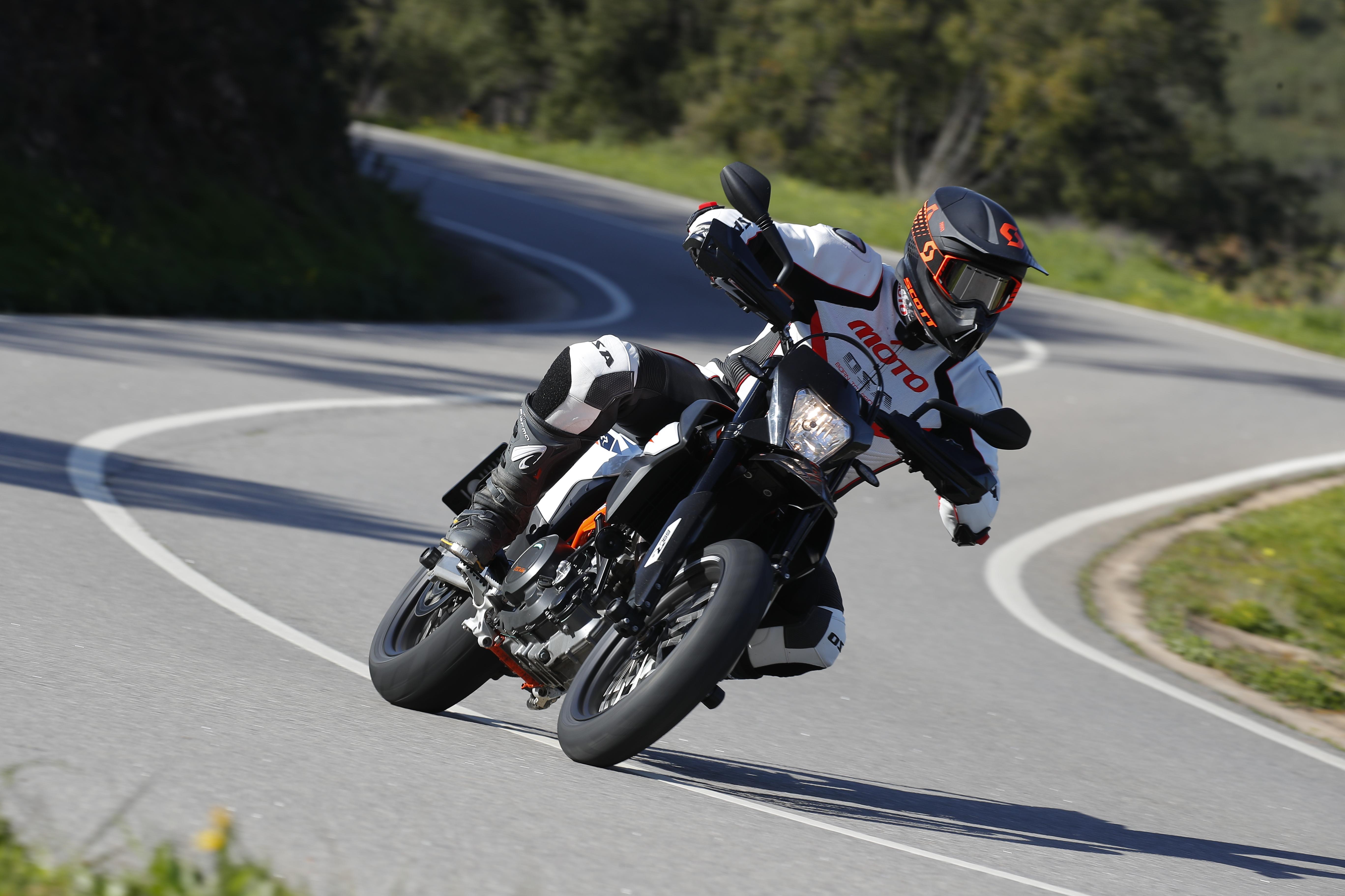 Тест KTM 690 Enduro R и 690 SMC R